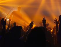 Adorar Juntos (Worshiping Together)